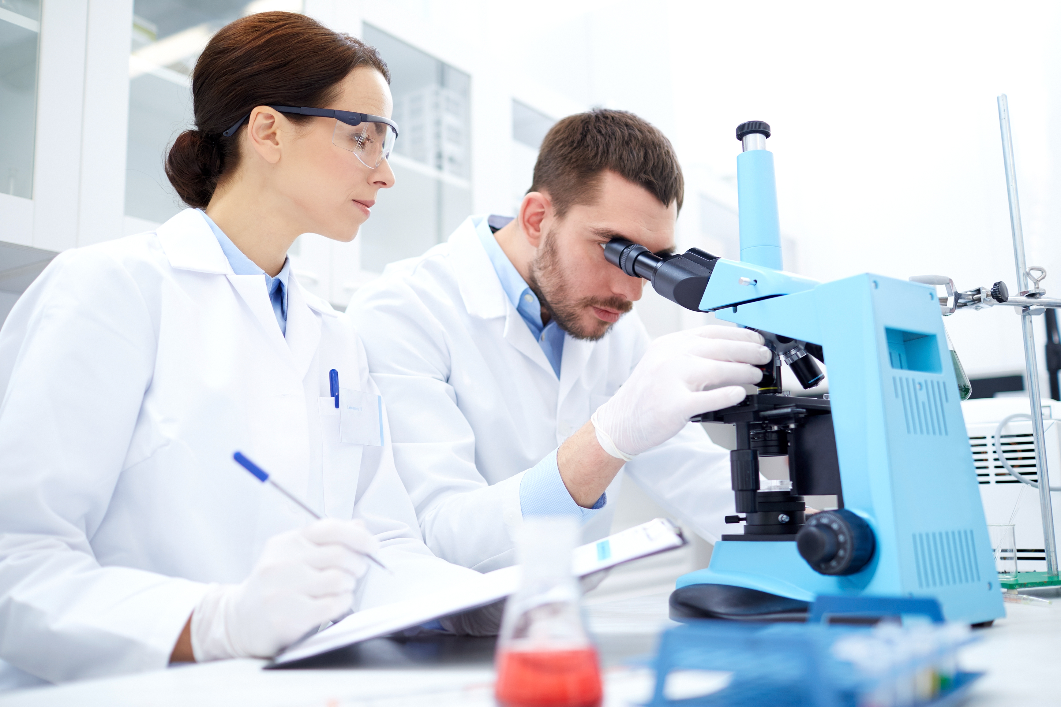 New Potential Therapeutic Strategy for Endometriosis Based on Retinoic Acid